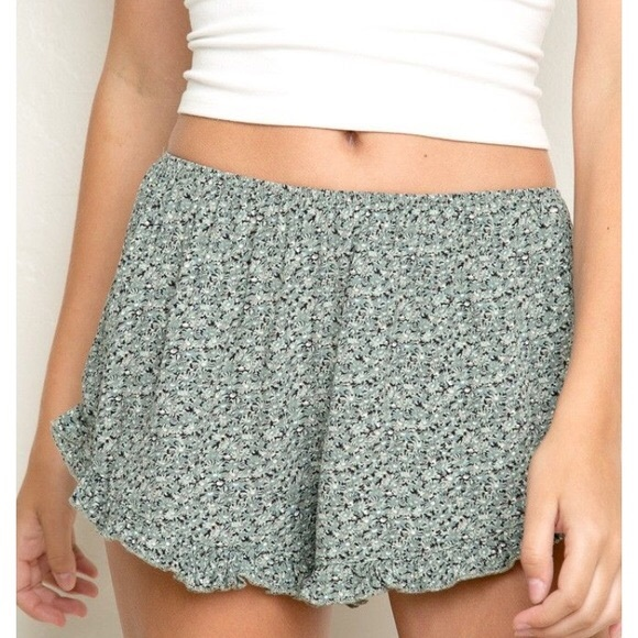 Brandy Melville Pants - Brandy Melville Floral Flowy Shorts